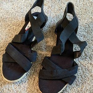 Giani Bernini black sandals